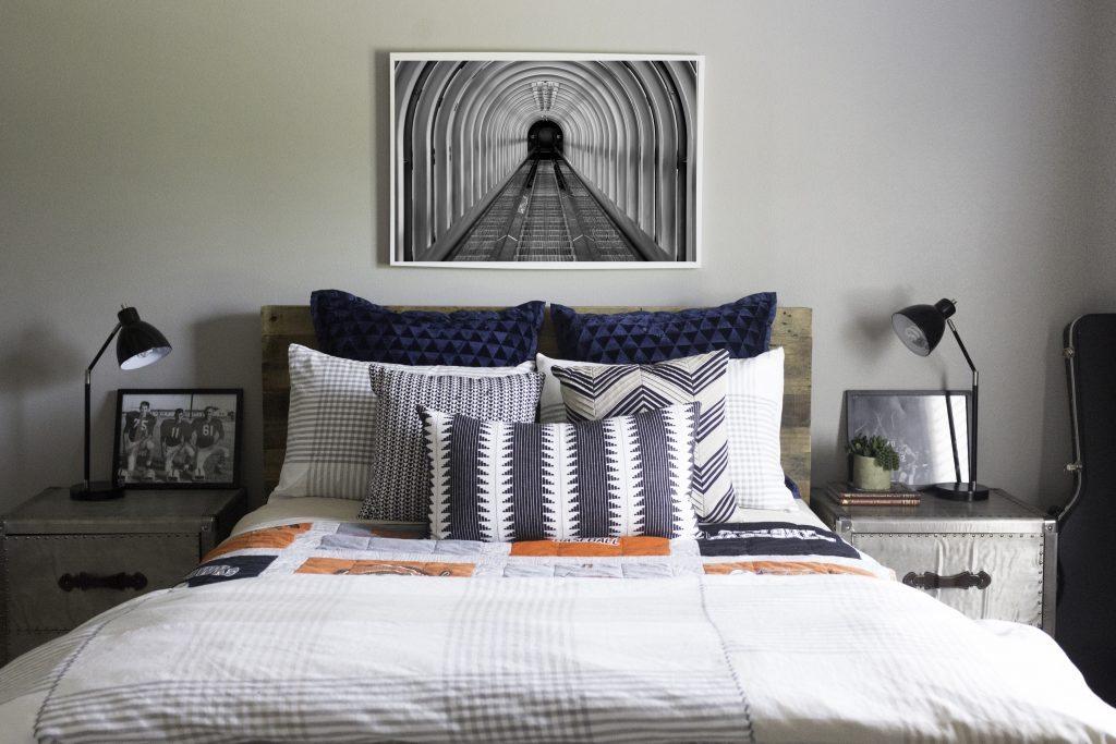 Easton-bedroom-tunnel-art