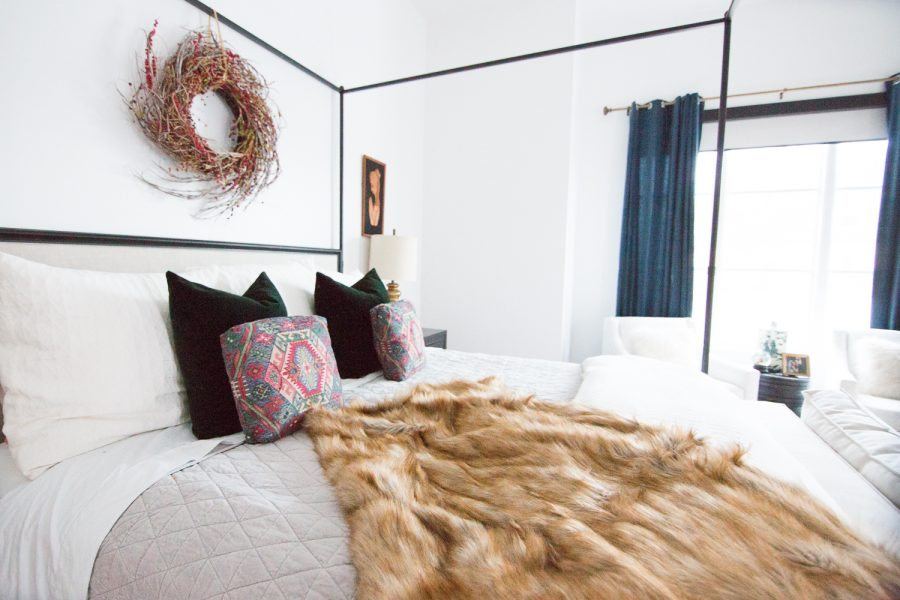 5-Easy-Christmas-Ideas-for-the-Bedroom