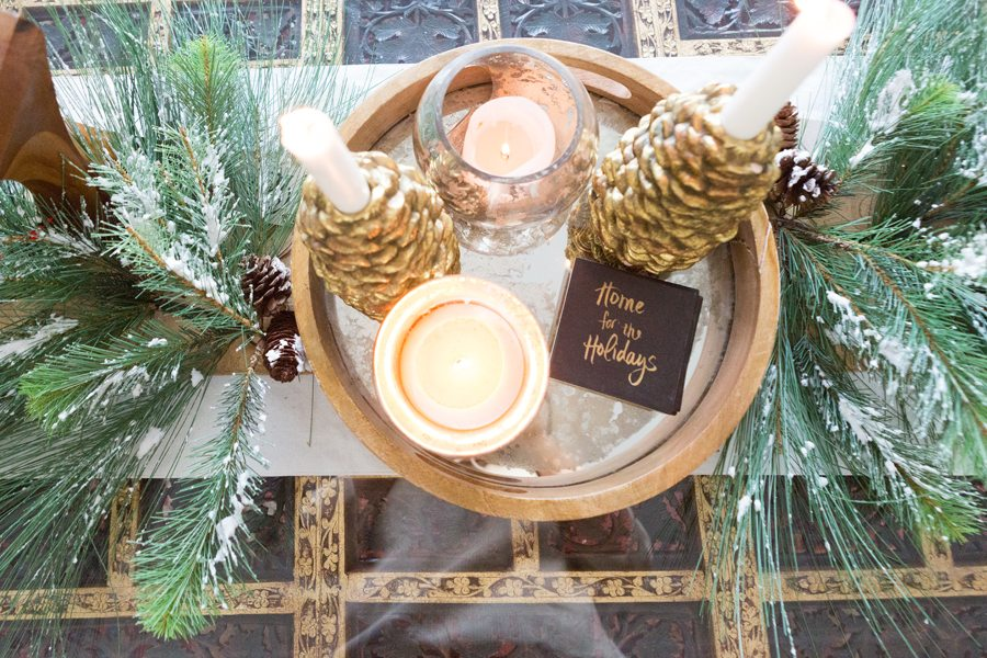 Christmas-coffee-table-decor
