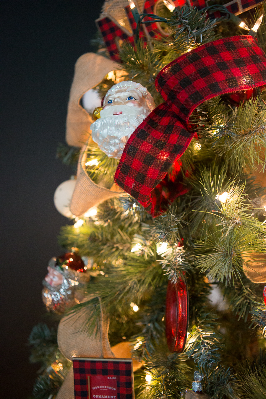 10-Tips-Budget-Christmas-Decor