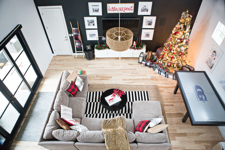 Modern-Electic-Christmas-Home-Tour-47