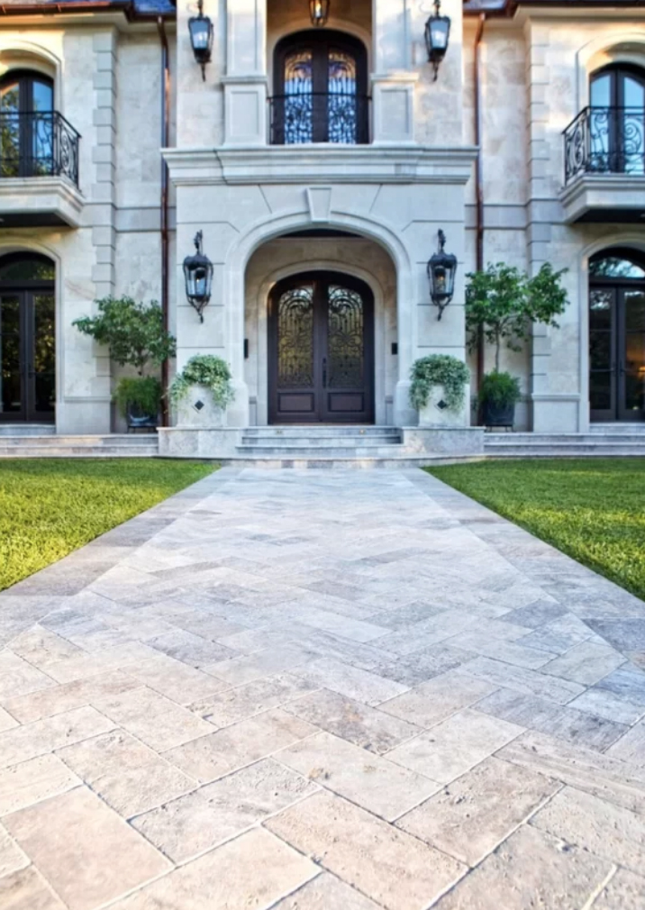 How to Design a Beautiful Pool and Outdoor Living Area beautiful patio pavers affordable best patio pavers tumbled patio pavers travertine patio paver alternative
