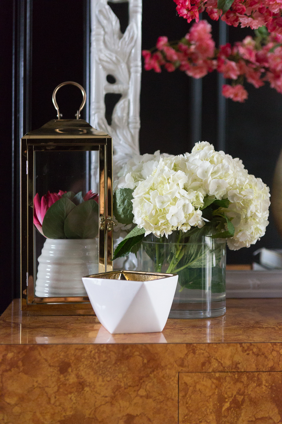 5 Tips to Decorate Your Home with Drew Barrymore Flower Home-5