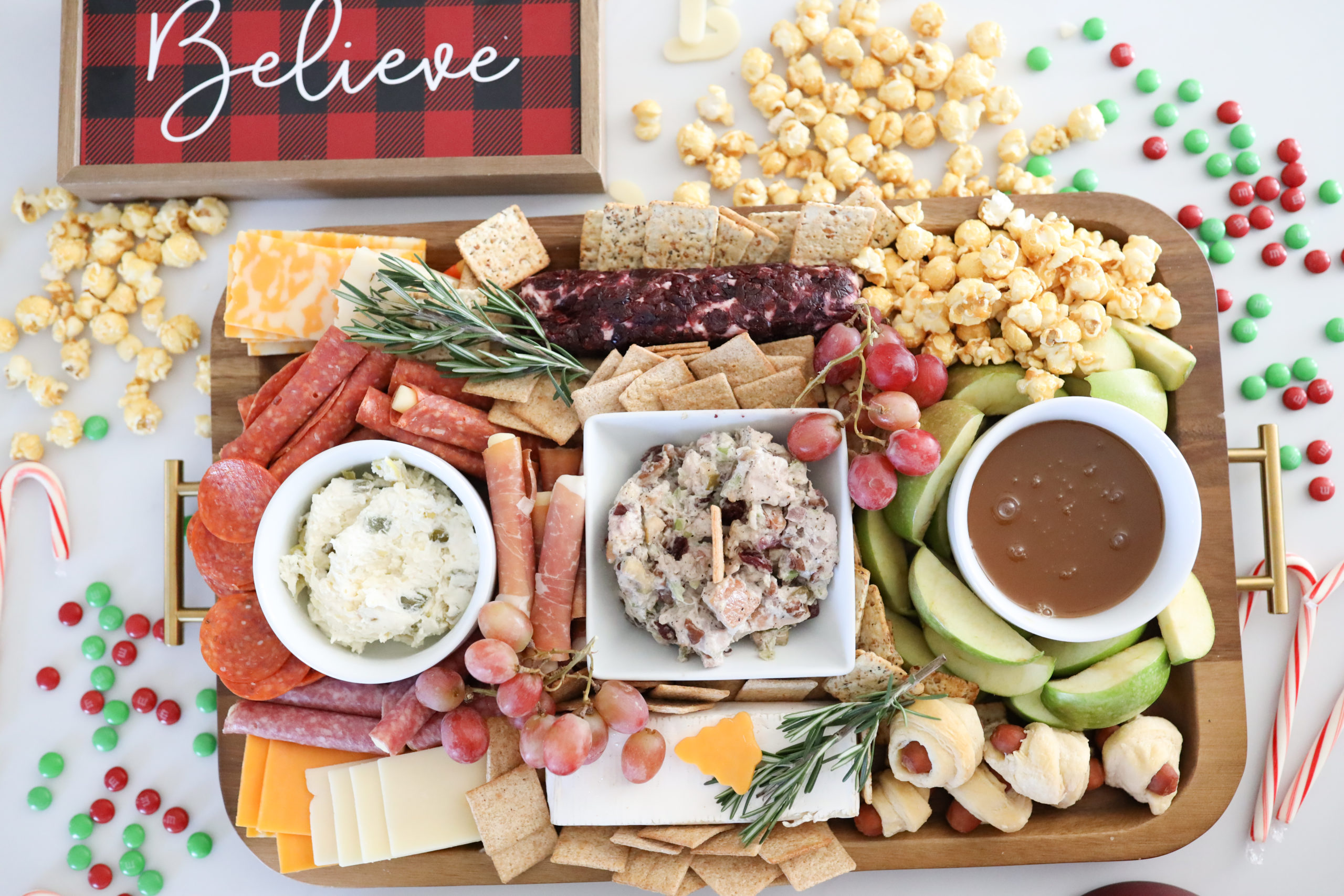 How to Make a Seasonal Charcuterie Board
