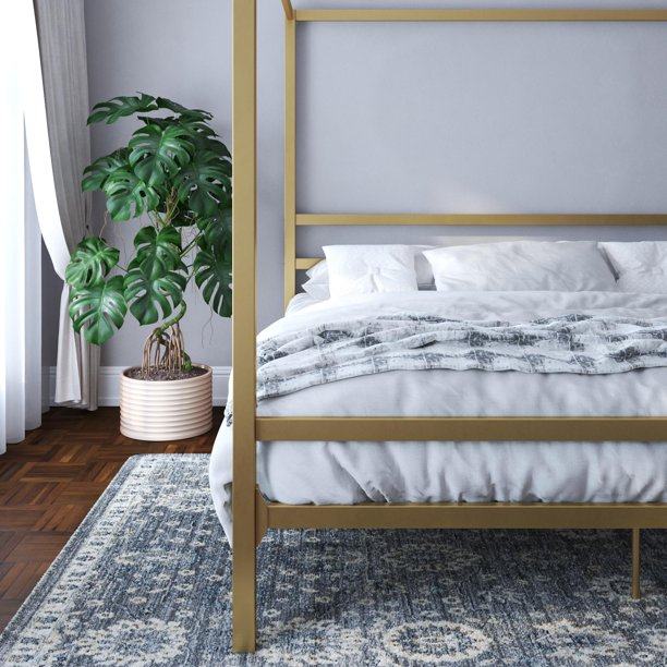 old canopy bed