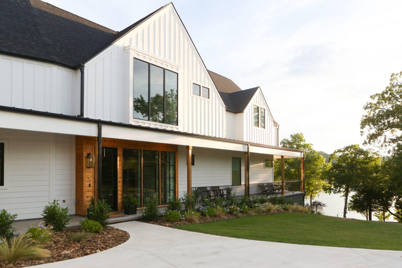 Modern Farmhouse Lake House - Beaver lake project