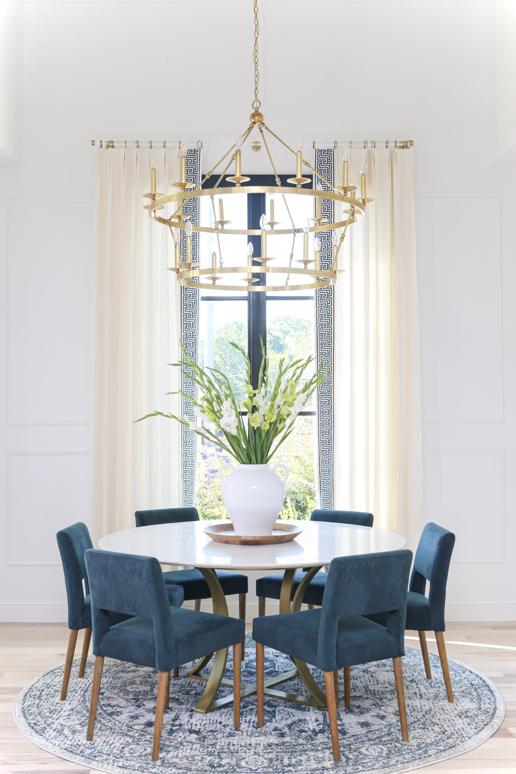 Breakfast Nook Reveal: The Miller House!